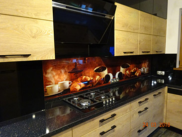 Nietuzinkowe Pomysły Na Ciasne Kuchnie Kuchenne Szklane